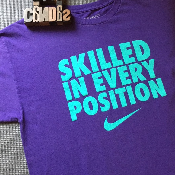 Men's Nike skilled in every position T shirt sz L